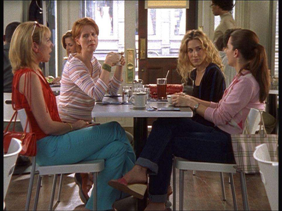Können Männer vergeben und vergessen? (v.l.n.r.) Samantha (Kim Cattrall), Miranda (Cynthia Nixon), Carrie (Sarah Jessica Parker) und Charlotte (Kr... - Bildquelle: Paramount Pictures