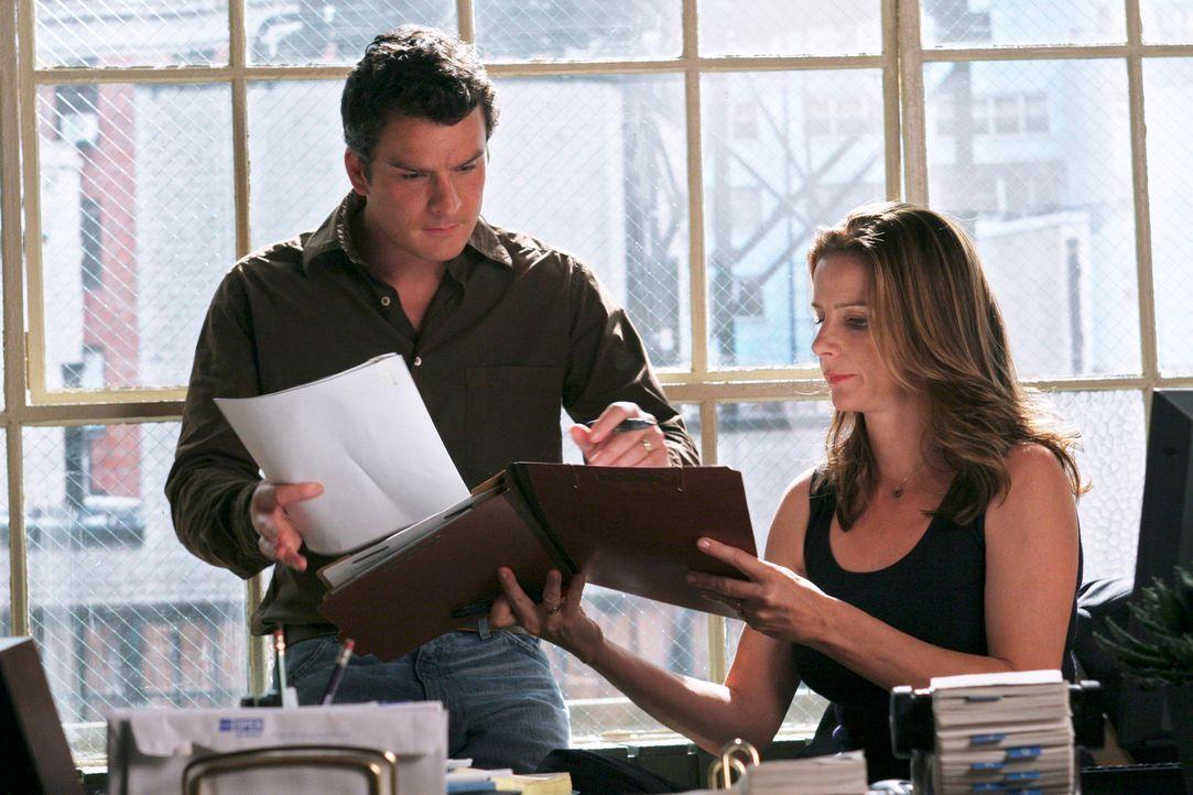 Geraten in Streit: Thomas (Balthazar Getty, l.) und Sarah (Rachel Griffiths, r.) ... - Bildquelle: Disney - ABC International Television