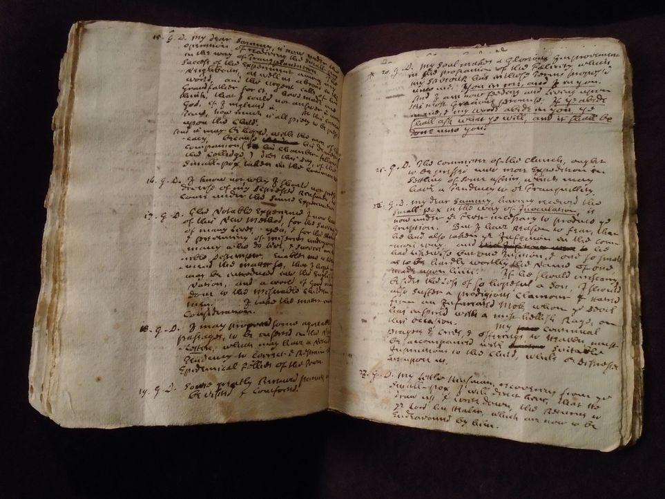 Don Wildman befasst er sich mit einem alten Tagebuch, das die Geschichte eines riskanten Experiments erzählt ... - Bildquelle: 2014, The Travel Channel, L.L.C. All Rights Reserved.