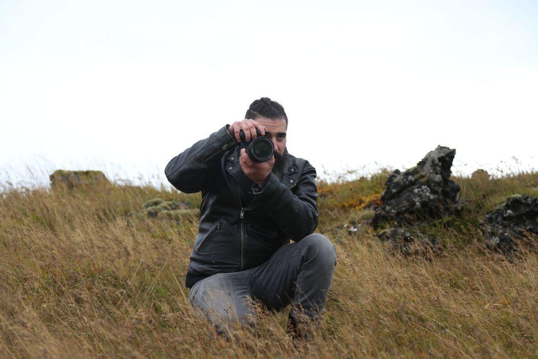 """Zwei Gegner, eine Aufgabe! Bei """"Perfect Shot"""" treten der Nachwuchs-Fotograf Claudio und die Influencerin Masha in einen spannenden Wettstreit. - Bildquelle: ProSieben"""