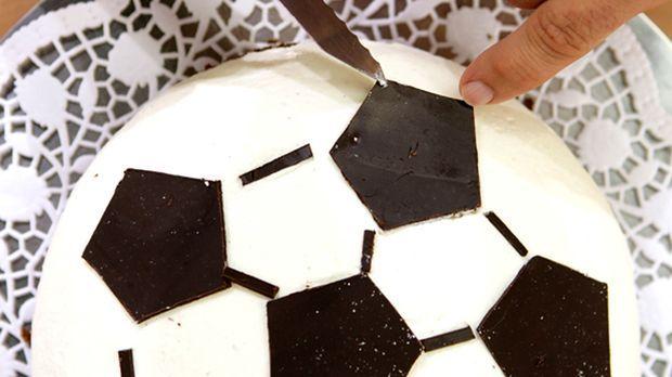 schnelle rezepte f r fu ball fans sat 1 ratgeber. Black Bedroom Furniture Sets. Home Design Ideas