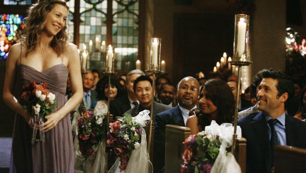 Eigentlich sollte es Meredith (Ellen Pompeo, l.) und Dereks (Patrick Dempsey... - Bildquelle: Touchstone Television