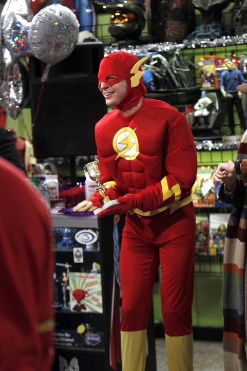 Sheldon (Jim Parsons), Raj, Leonard und Howard wollen bei einem Kostümwettbewerb als die Gerechtigkeitsliga teilnehmen und finden dabei einen perfek... - Bildquelle: Warner Bros. Television