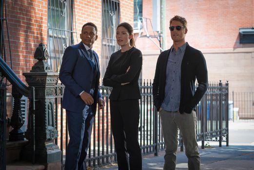 Limitless - Ein neuer Fall beschäftigt: Brian (Jake McDorman, r.), Rebecca (J...