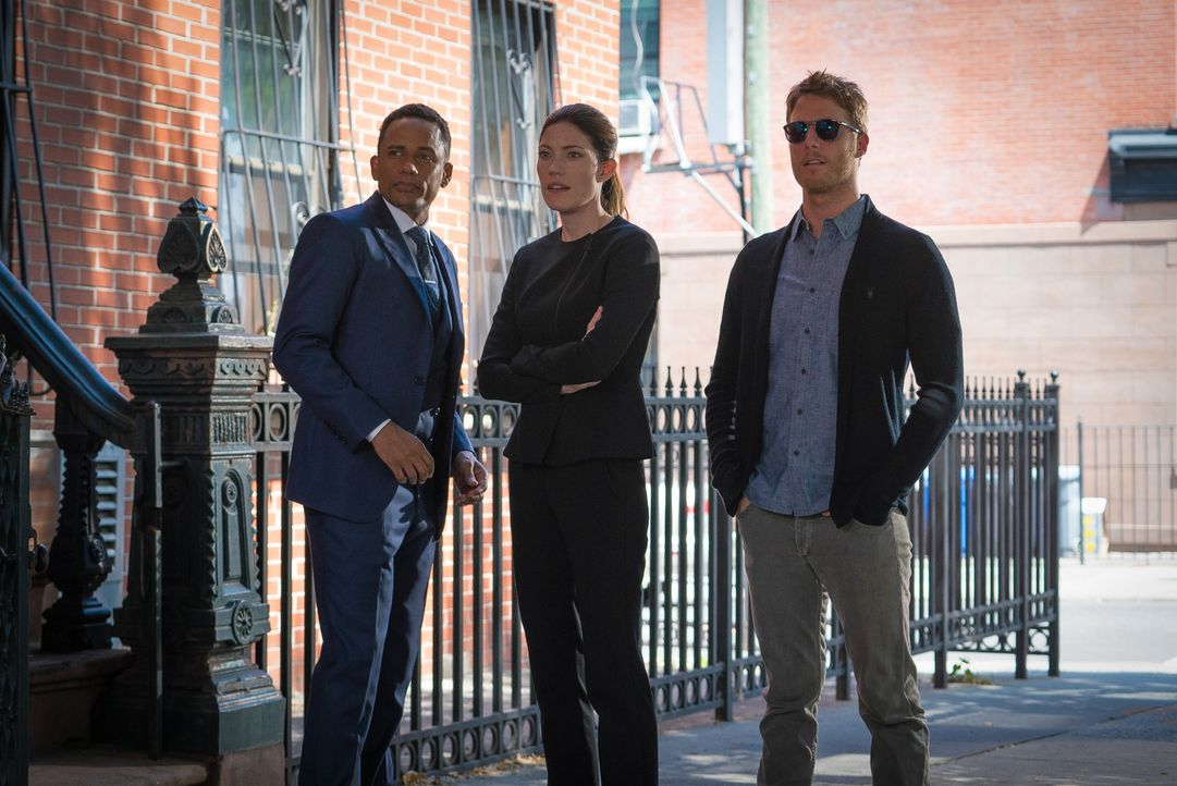 Ein neuer Fall beschäftigt: Brian (Jake McDorman, r.), Rebecca (Jennifer Carpenter, M.) und Boyle (Hill Harper, l.) ... - Bildquelle: 2015 CBS Broadcasting, Inc. All Rights Reserved