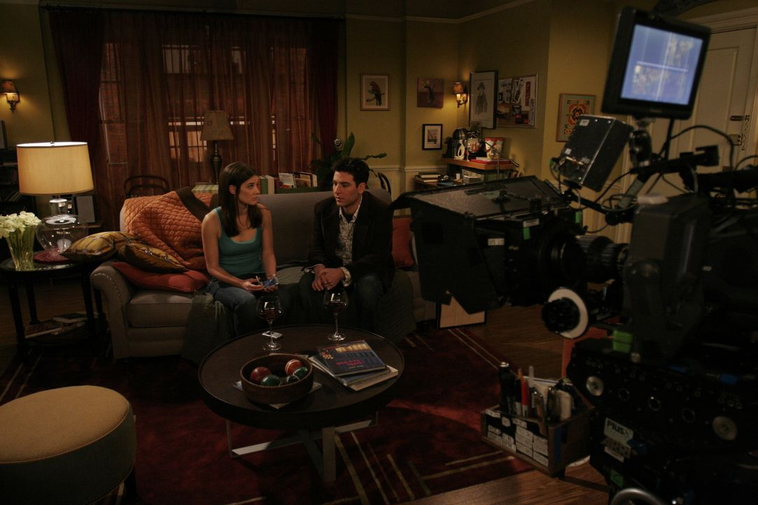 "Bei den Dreharbeiten zu ""How I Met Your Mother"" .... - Bildquelle: 20th Century Fox International Television"