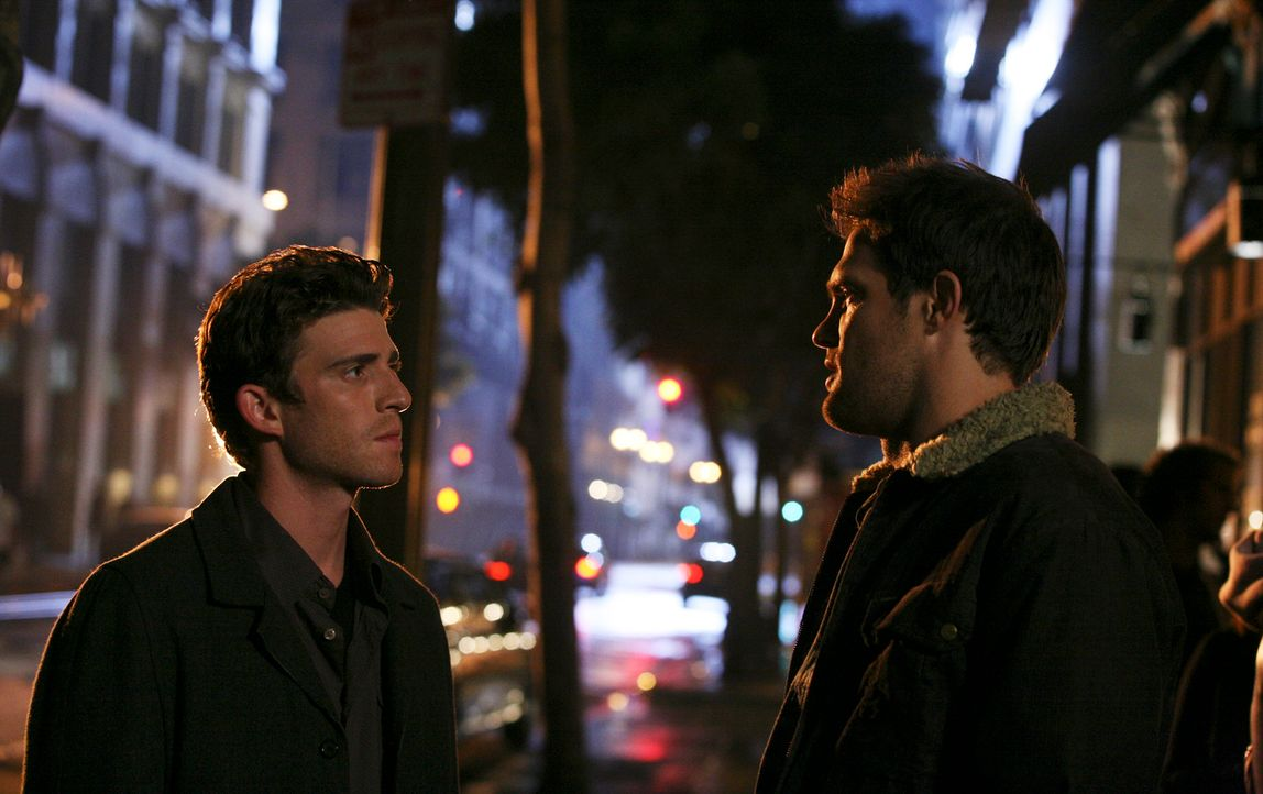 Eddie (Geoff Stults, r.) macht Nick (Bryan Greenberg, l.) klar, dass ihre gemeinsame Fahrt nach New York nicht bedeutet, dass sie wieder Freunde sei... - Bildquelle: ABC Studios