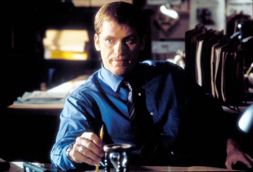 Gleichzeitig arbeitet auch Detective Michael McCann (Denis Leary) an dem verzwickten Fall, doch Catherine scheint ihm immer einen Schritt voraus zu... - Bildquelle: United Artists