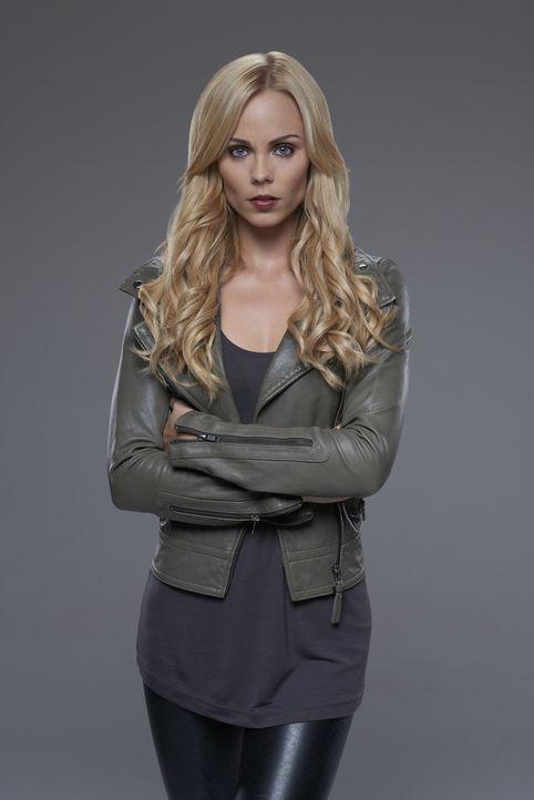 (2. Staffel) - Nachdem ihr und ihrem Rudel der Kampf angesagt wurde, entscheidet Elena (Laura Vandervoort) sich dazu, ihr Schicksal als Wolf zu akze... - Bildquelle: 2015 She-Wolf Season 2 Productions Inc.