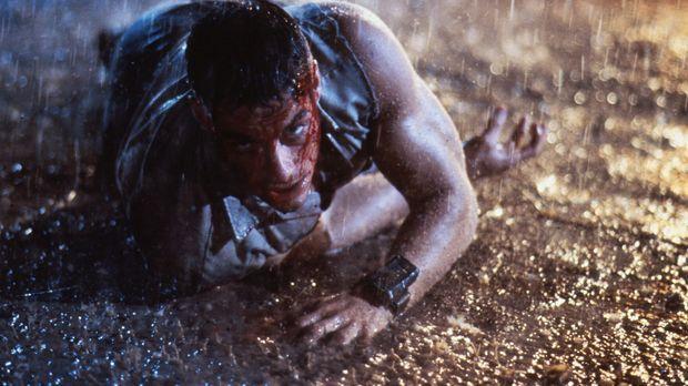 Im Kampf gegen seinen Erzfeind gerät Luc (Jean-Claude Van Damme) von einer ge...