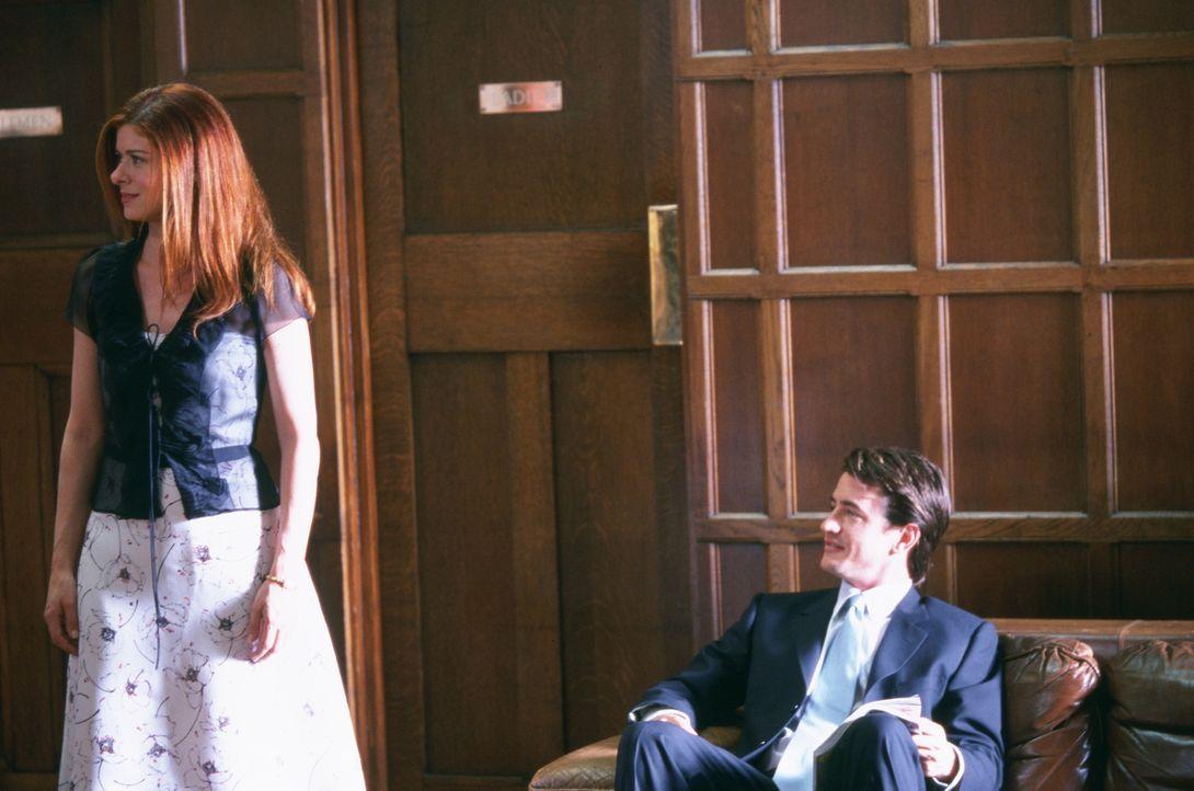 Um ihren Ex eifersüchtig zu machen, reist Kat (Debra Messing, l.) mit gekauftem Lover (Dermot Mulroney, r.) zur Familienfeier nach London. - Bildquelle: Gold Circle Films