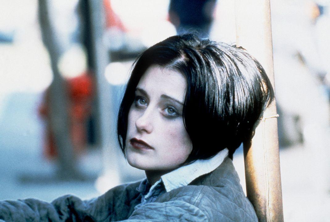 Kann dem eiskalten Killer nicht entgehen: Sharon (Gina Alexandra) ... - Bildquelle: Universal Pictures