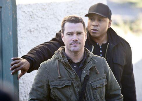 Navy CIS: L.A. - Reisen nach Afrika, um einen Fall zu lösen: Callen (Chris O'...