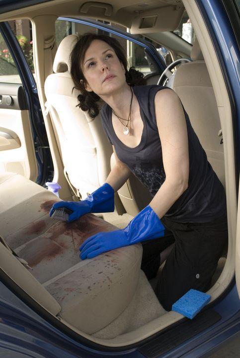 Nach wie vor steckt Nancy (Mary-Louise Parker) bis zum Hals in der Klemme und ist keine Besserung in Sicht ... - Bildquelle: Lions Gate Television