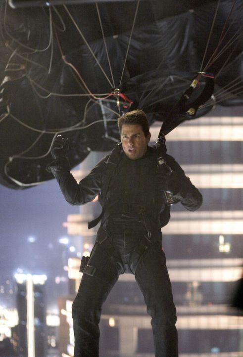 Ein größenwahnsinniger Waffenhändler macht Agent Ethan Hunt (Tom Cruise) das Leben schwer ... - Bildquelle: 2005 by PARAMOUNT PICTURES. All Rights Reserved.