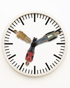 Minutemen - Schüler auf Zeitreise - Minute Men: Zeke (Nicholas Braun, r.), Vi...