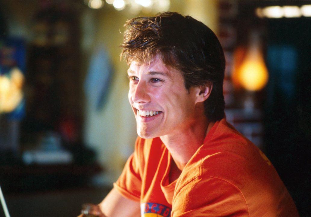 Ben (Kristian Erik Kiehling) ist schon seit langem heimlich in Carola verliebt und als er ihr auf der Abi-Feier seine Liebe gesteht, blamiert er sic... - Bildquelle: Concorde Filmverleih GmbH