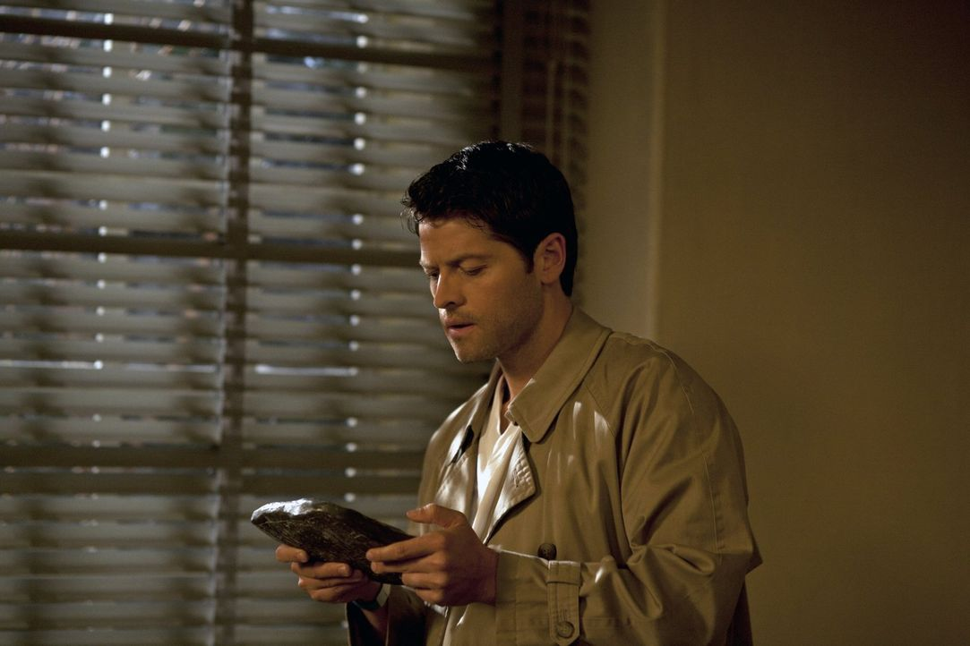 """Castiel (Misha Collins) hat sich als """"Engel"""" nicht wohlgefühlt, er wollte Willensfreiheit und gibt sich als tot aus. Doch dann fliegt alles auf - un... - Bildquelle: Warner Bros. Television"""
