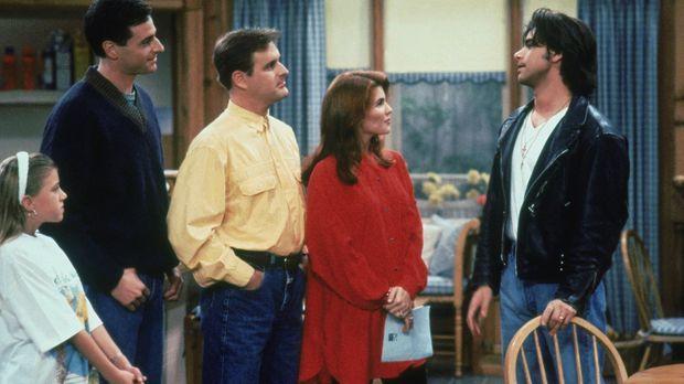 Stephanie (Jodie Sweetin, l.), Danny (Bob Saget, 2.v.l.), Joey (Dave Coulier,...