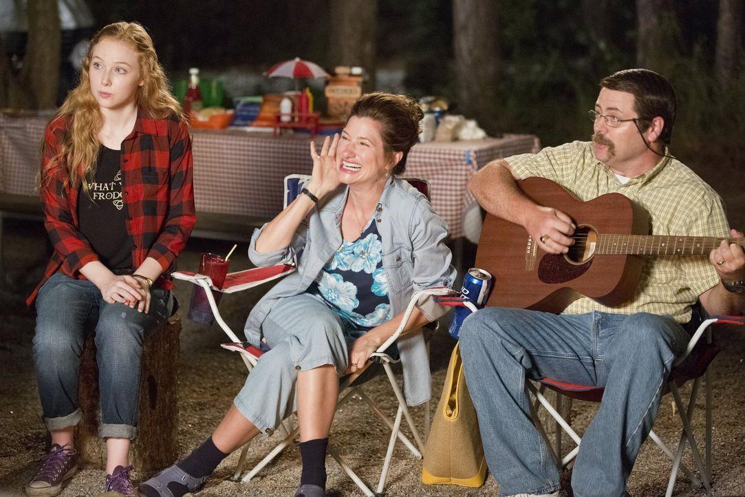 Don (Nick Offerman, r.), Edie (Kathryn Hahn, M.) und Tochter Melissa (Molly C. Quinn, l.) wird schon bald klar, dass die Millers keine normale Famil... - Bildquelle: 2013 Warner Brothers.  All rights reserved.