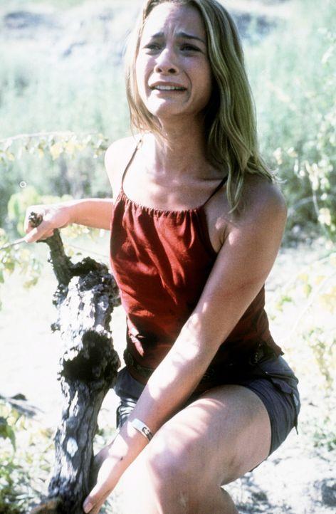 In dem verlassenen Sumpfgebiet kann auch die hübsche Claire (Caitlin Martin) ihrem Schicksal nicht entfliehen ... - Bildquelle: Nu Image