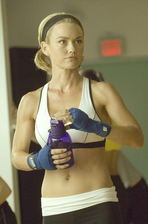 Hat großen Einfluss auf Matt: Kimber (Kelly Carlson) ... - Bildquelle: TM and   2004 Warner Bros. Entertainment Inc. All Rights Reserved.