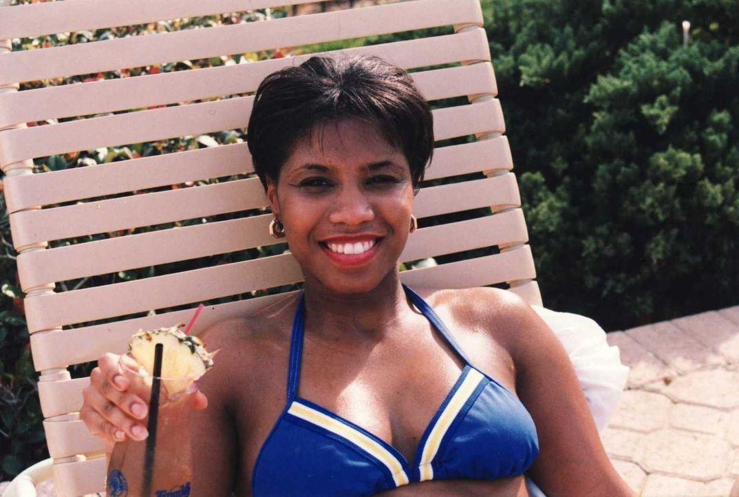 Noch ist Harvette Williams glücklich, denn sie ahnt nicht, dass ihr Leben bald eine gravierende Wendung nehmen wird ... - Bildquelle: Atlas Media, 2011