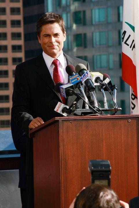 Die Geheimniskrämerei hat ein Ende: Robert (Rob Lowe) verkündet offiziell seine Kandidatur ... - Bildquelle: 2008 ABC INC.