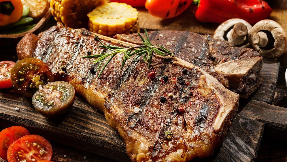Weber Elektrogrill Steak : T bone steak grillen: zubereitung leicht gemacht sat.1 ratgeber