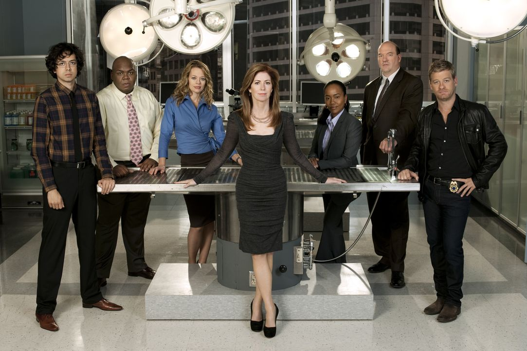 (1. Staffel) - Body of Proof: (v.l.n.r.) Ethan Gross (Geoffrey Arend), Curtis Brumfield (Windell D. Middlebrooks), Kate Murphy (Jeri Ryan), Megan Hu... - Bildquelle: 2010 American Broadcasting Companies, Inc. All rights reserved.