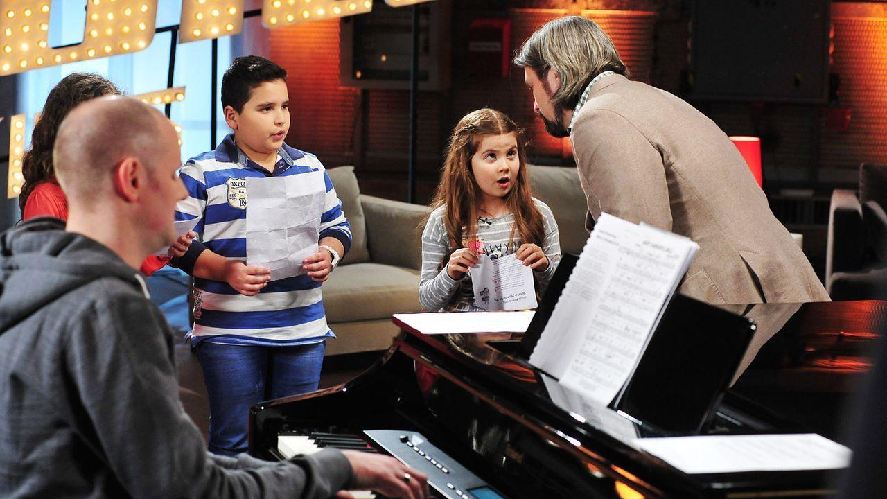 The-Voice-Kids-Stf02-Epi05-Salvatore-Larissa-EmmieLee-28-SAT1-Andre-Kowalski - Bildquelle: SAT.1/Andre Kowalski