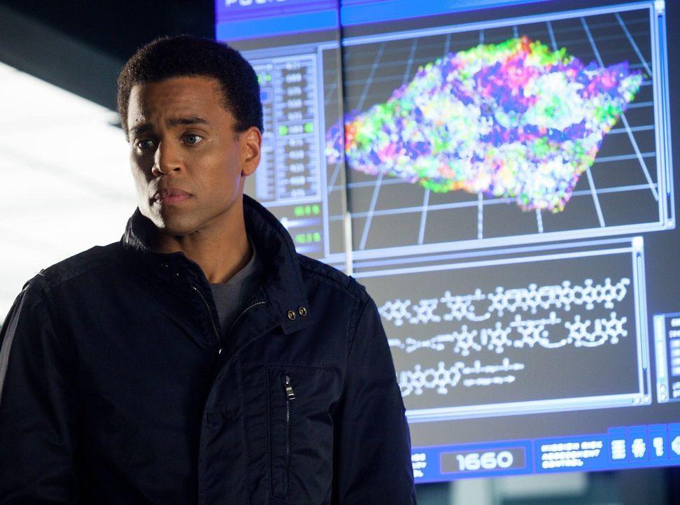 Können Dorian (Michael Ealy) und das Polizeiteam die Todesursache von drei jungen Mädchen aufklären? - Bildquelle: Warner Bros. Television