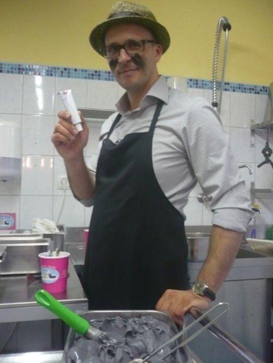Der einfallsreiche Start-up-Unternehmer Björn Welter führt Sie ein in die Welt des Frozen Yogurt ... - Bildquelle: kabel eins