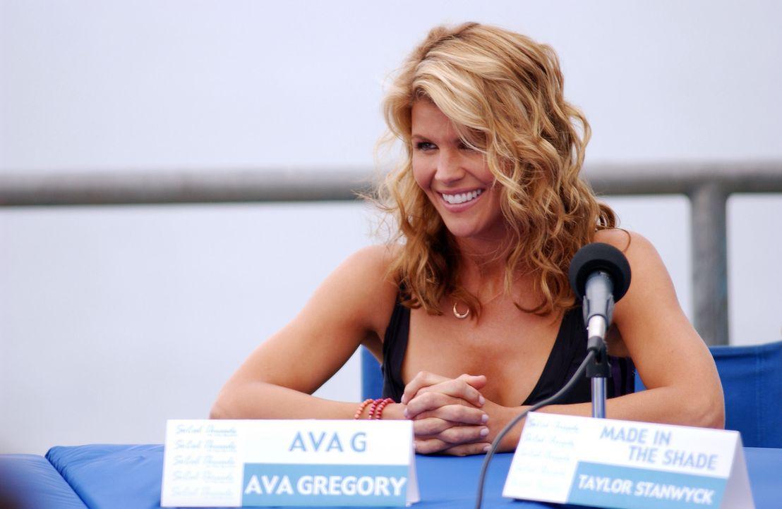 Eine schwere Zeit kommt auf Ava (Lori Loughlin) zu ... - Bildquelle: CBS Television