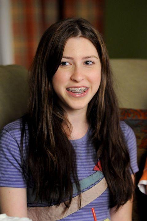Möchte an einem Vorsingen für den Schulchor teilnehmen - doch wie wird Sue (Eden Sher) abschneiden? - Bildquelle: Warner Brothers