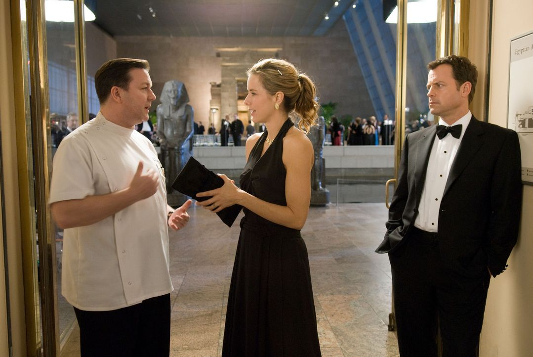 Nachdem Bertram Pincus (Ricky Gervais, l.) für sieben Minuten tot war, kann er Geister sehen, die seine Hilfe wollen. So wie Frank (Greg Kinnear, r... - Bildquelle: MMVIII DREAMWORKS LLC AND SPYGLASS ENTERTAINMENT FUNDING, LLC. All rights reserved.