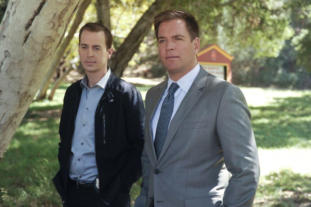 Während McGee (Sean Murray, l.) und Bishop undercover als Ehepaar ermitteln, um einen rätselhaften Fall zu lösen, begibt sich Tony (Michael Weatherl... - Bildquelle: Darren Michaels CBS Television