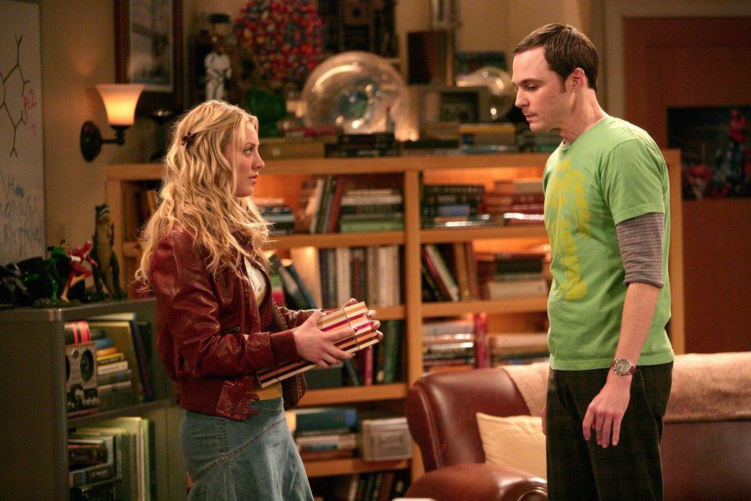 Gute Freunde: Penny (Kaley Cuoco, l.) und Sheldon (Jim Parsons, r.) ... - Bildquelle: Warner Bros. Television