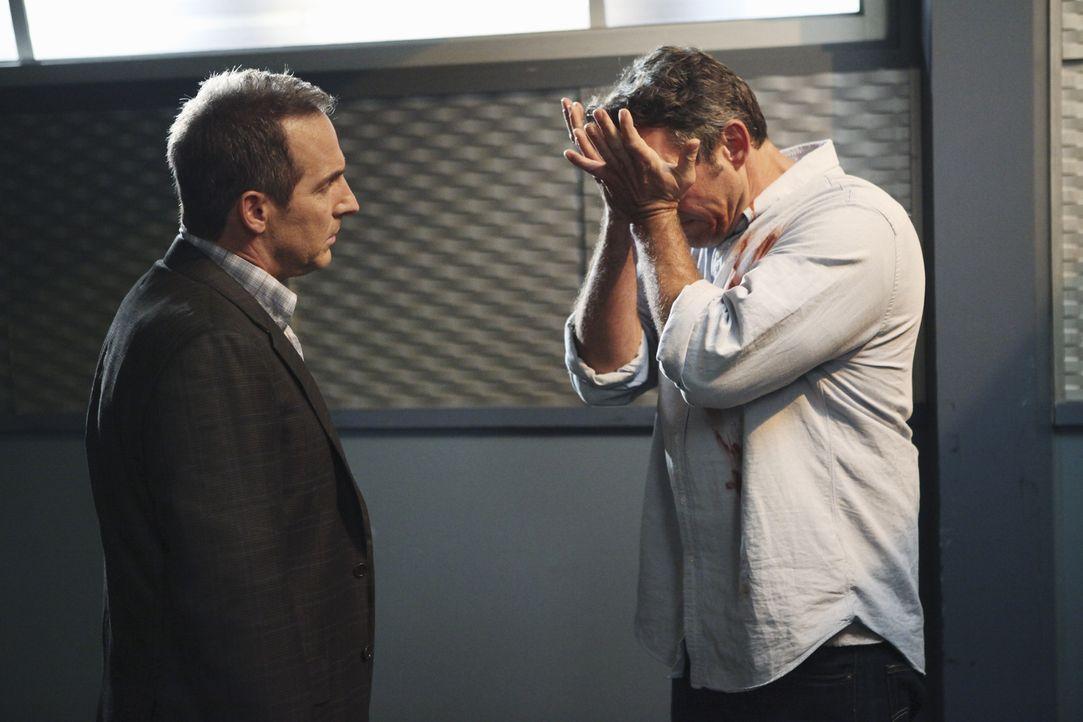Sheldon (Brian Benben, l.) soll Lee (Nicholas Brendon, r.) ärztlich betreuen, doch der hat bisher keine Ahnung, wen er da vor sich hat ... - Bildquelle: ABC Studios