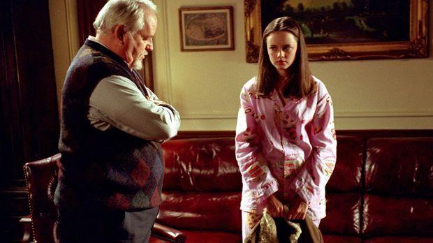 Direktor Charleston (Dakin Matthews, l.) ist der Ansicht, dass sich Rory (Ale...