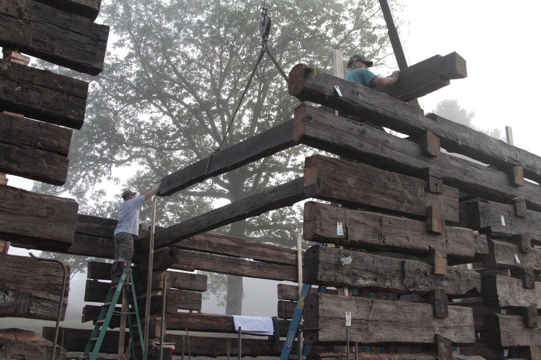 Diesmal widmen sich die Scheunenprofis einer alte Berghütte und geben ihr Bestes, um sie in neuem Glanz erstrahlen zu lassen ... - Bildquelle: 2015, DIY Network/Scripps Networks, LLC. All Rights Reserved.