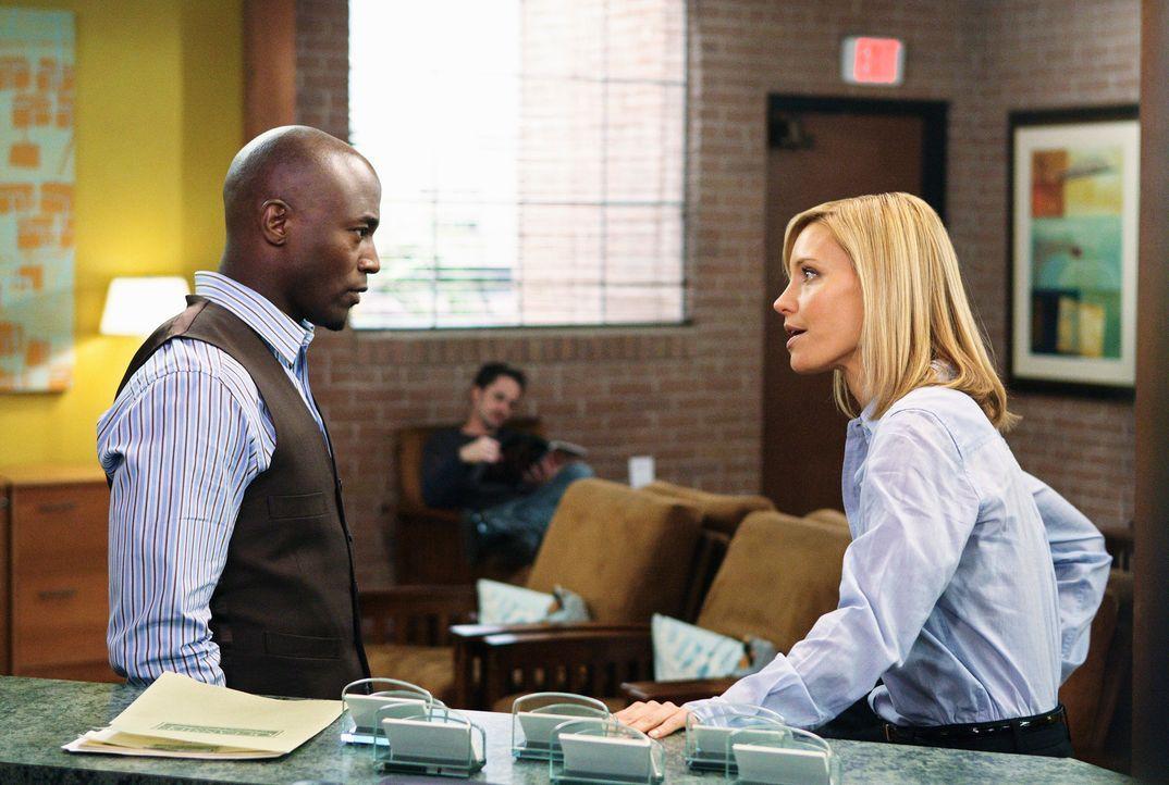 Haben beide einen Grund auf Naomi sauer zu sein, da sie die Praxis verlassen möchte: Sam (Taye Diggs, l.) und Charlotte (KaDee Strickland, r.) ... - Bildquelle: ABC Studios