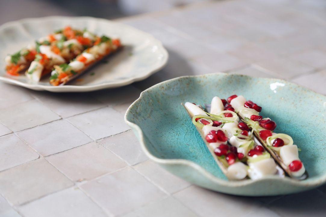 Zurück in der Heimat bereitet Rachel ein beliebtes Gericht für zwischendurch zu: Schwertmuscheln mit Mezze ... - Bildquelle: Richard Hall BBC 2014