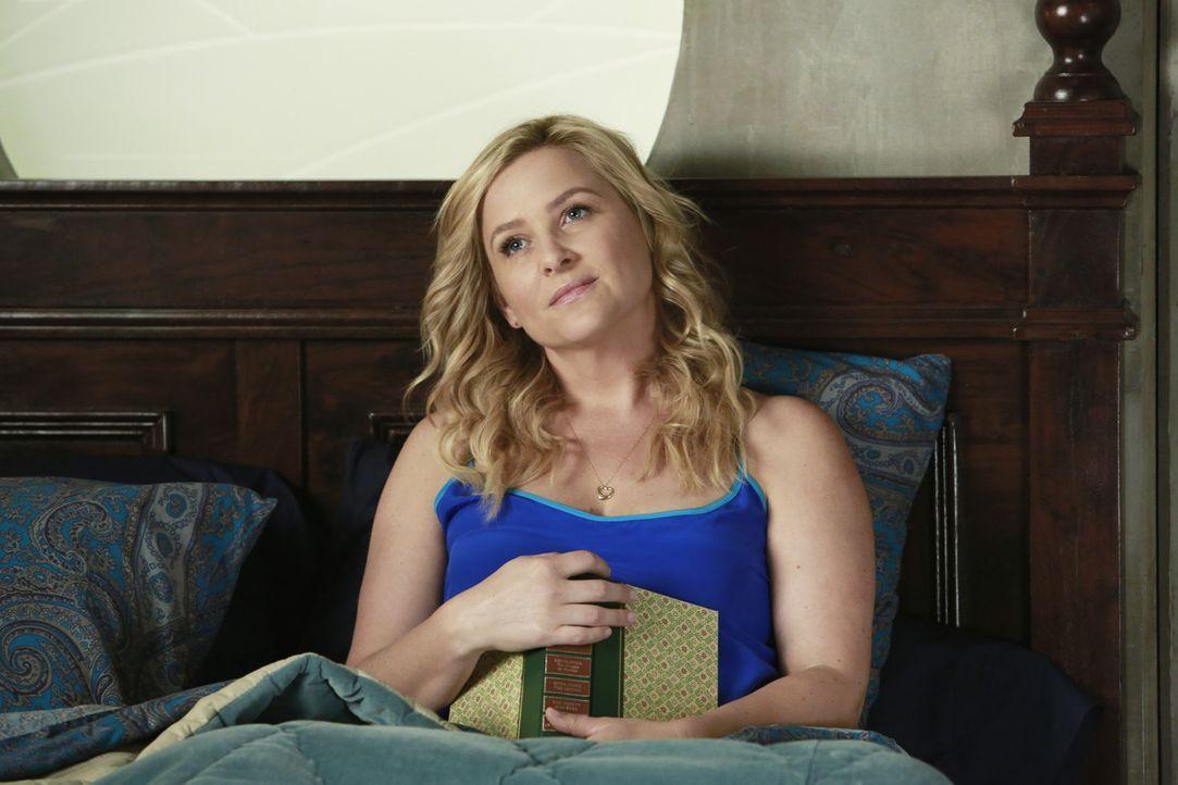 Arizona (Jessica Capshaw) lernt eine interessante Ärztin kennen und genießt die ihr entgegengebrachte Aufmerksamkeit ... - Bildquelle: ABC Studios