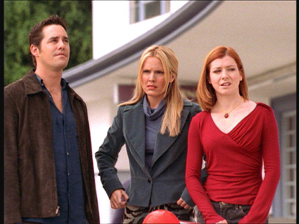 Xander (Nicholas Brendon, l.), Anya (Emma Caulfield, M.) und Willow (Alyson Hannigan, r.) sind zutiefst betroffen, Buffy nicht mehr an ihrer Seite z... - Bildquelle: TM +   Twentieth Century Fox Film Corporation. All Rights Reserved.