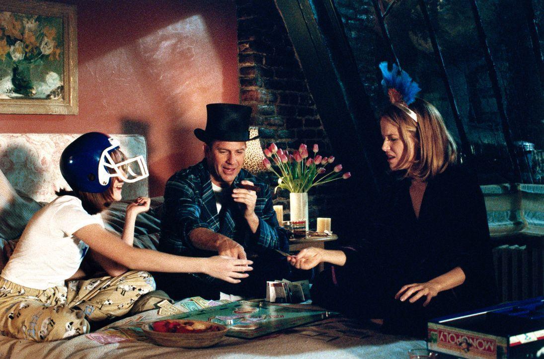 Erst lange Zeit nachdem er Jane (Kelly Preston, r.) kennengelernt hat erfuhr Billy (Kevin Costner, M.), dass sie bereits eine Tochter, Heather (Jena... - Bildquelle: 1999 Universal Studios. All Rights Reserved.