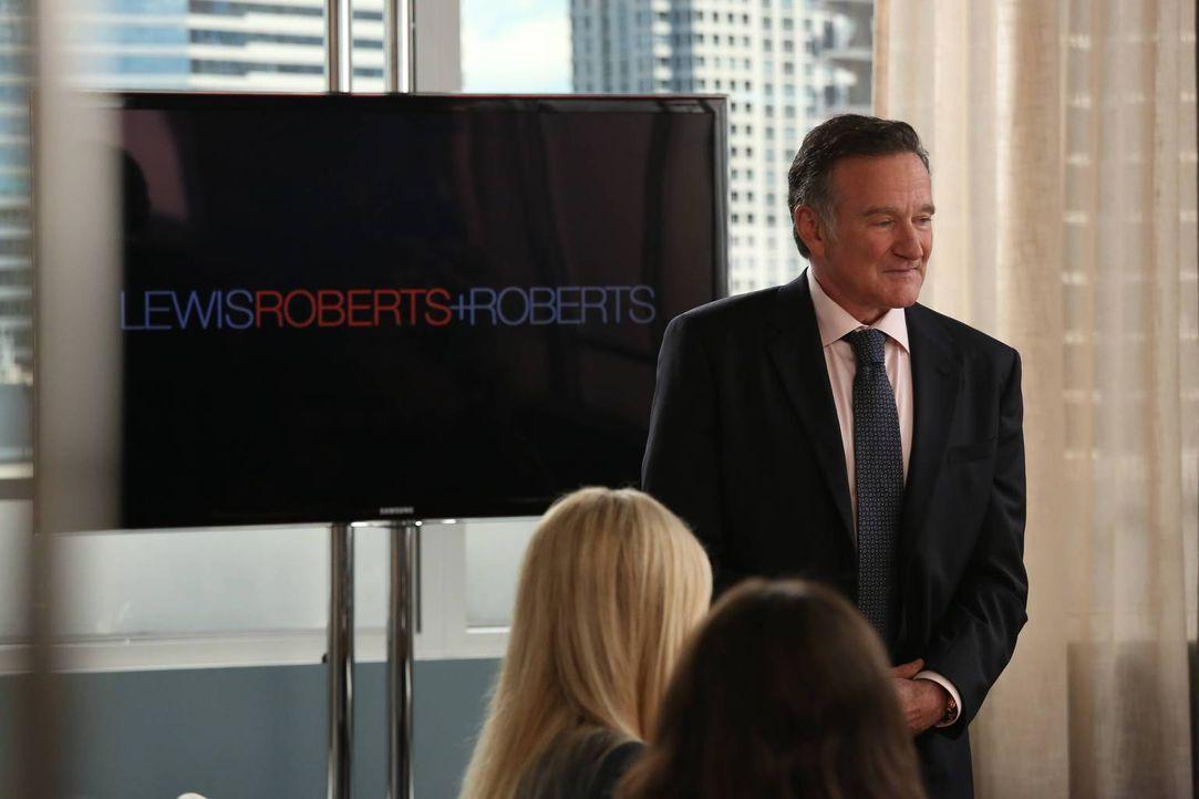 Der exzentrische Selbstdarsteller Simon Roberts (Robin Williams), verspricht seinen Kunden meist mehr als er liefern kann ... - Bildquelle: 2013 Twentieth Century Fox Film Corporation. All rights reserved.