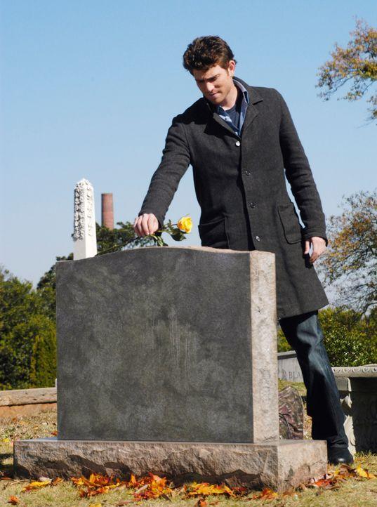 Am Grab seiner Mutter äußert Nick (Bryan Greenberg) den Verdacht, dass er der Vater von Sam sein könnte ... - Bildquelle: 2007 American Broadcasting Companies, Inc. All rights reserved.