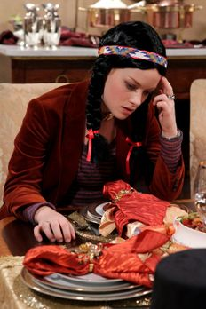 Suburgatory - Es ist Thanksgiving, und Tessa (Jane Levy) hat die Nase voll da...