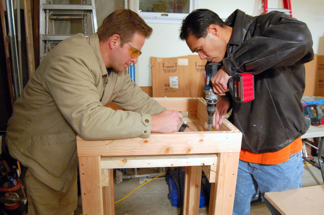 Jason Cameron (l.); Andy Chen (r.) - Bildquelle: Nathan Frye 2011, DIY Network/ Nathan Frye